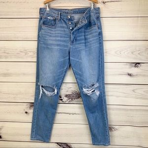 AMERICAN EAGLE OUTFITTERS Hi-Rise Girlfriend Jean